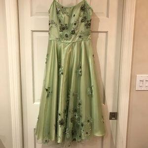 Sue Wong Dresses - Sue Wong Light Green Cocktail Dress
